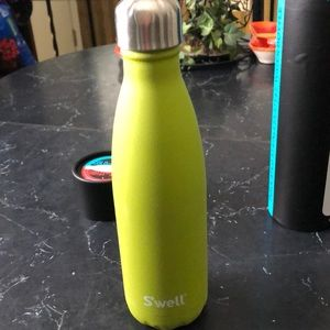 Swell hot / cold bottle 17 oz